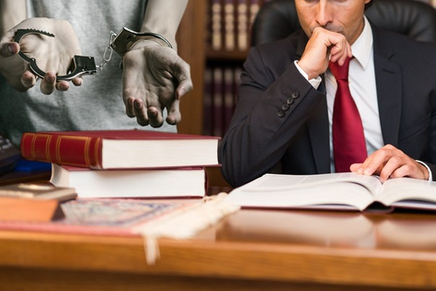 Getting A Criminal Defense Lawyer Who Is Reputable Is Important