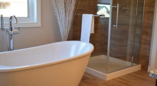 How can you make a small washroom look better and bigger?
