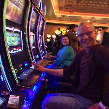 How to Win in Online Slot Machines – Tips to Increase Your Chances of Winning