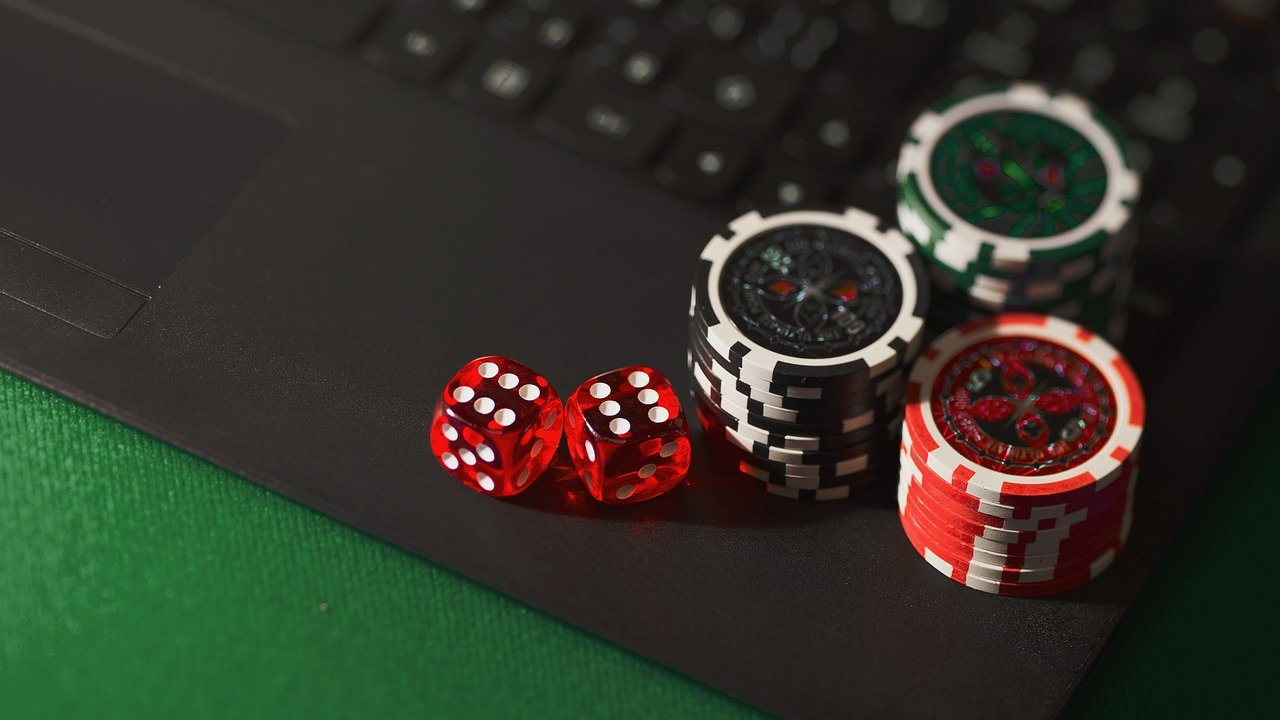 Is Online Gambling Safe For Beginners? Reveal The Informative Facts Below!