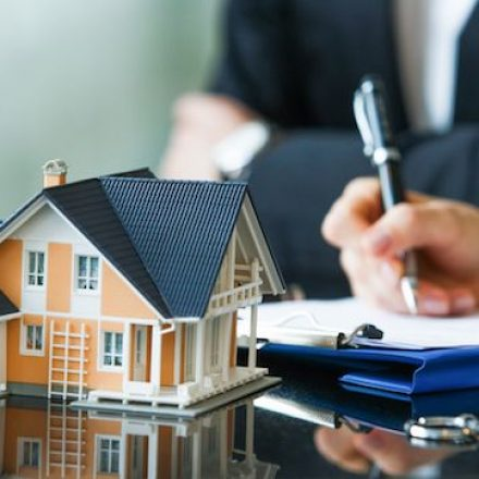 Role of Real Estate Agent in Getting the Best Deal
