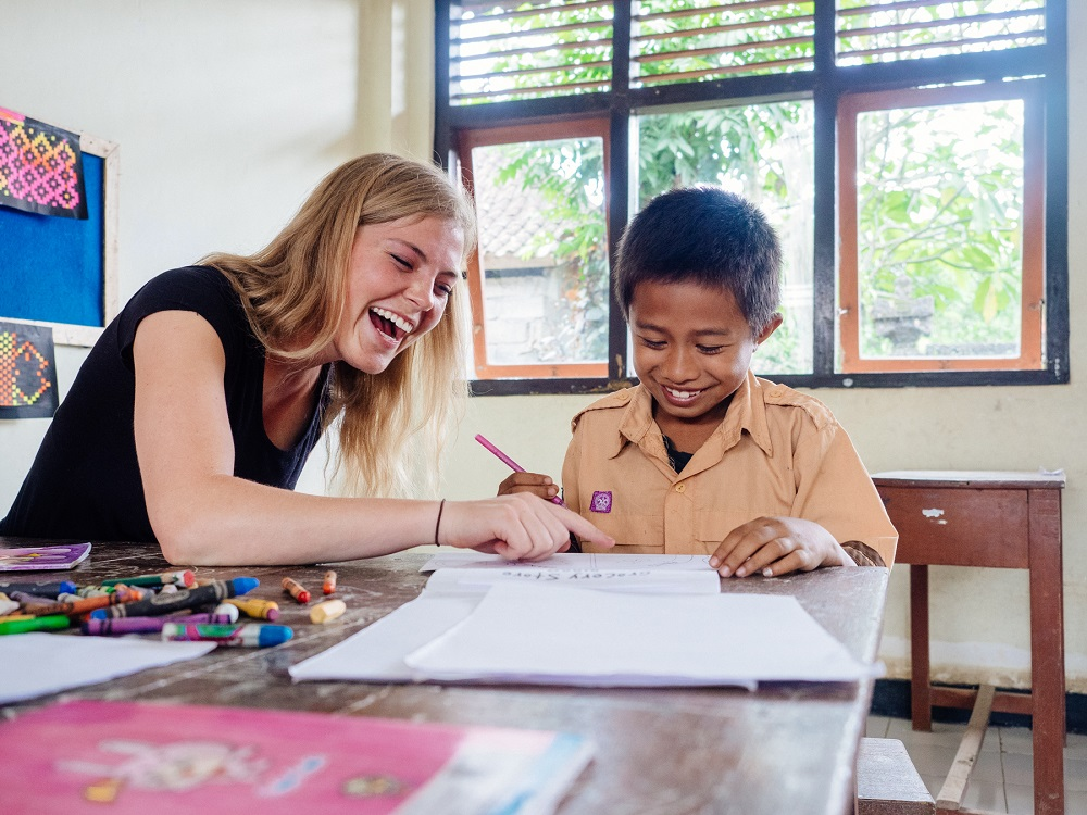 Benefits of Going on a Volunteer Abroad Program